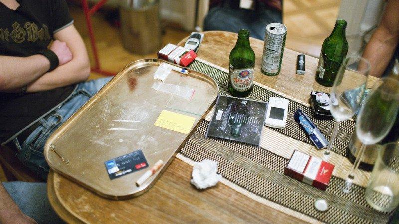 Dépendances: alcool, cigarettes drogues, jeux... on trouve de tout, trop facilement, à chaque coin de rue suisse