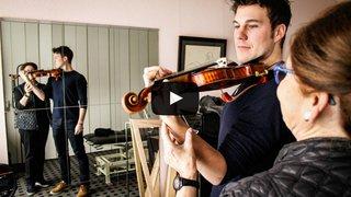 Touché par la crampe des virtuoses, le violoniste Anthony Fournier raconte sa lente reconstruction