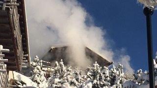 Verbier: le feu qui a ravagé les sous-sols de plusieurs chalets est maîtrisé