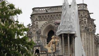Trop d'argent pour Notre-Dame: Pamela Anderson déserte le gala de l'Olympique de Marseille