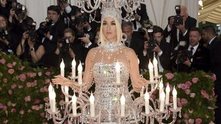 Etats-Unis: au gala du Met, les tenues déjantées ont défilé