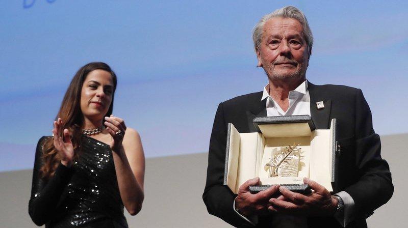 En larmes, le monstre sacré du 7e Art Alain Delon honoré au Festival de Cannes