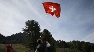 Un film sur Michael Schumacher, des lits au cinéma ou encore un Suisse coincé dans une attraction… l'actu suisse vue du reste du monde