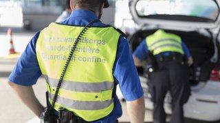 Un Lituanien pincé à la douane de Bâle avec deux sacs de produits dopants