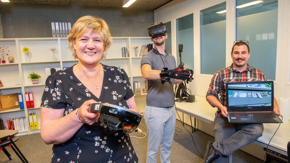 Anne-Dominique Salamin, Christophe Hadorn et Jeff Zufferey étudient le potentiel de la réalité virtuelle dans la formation et développent des solutions innovantes pour les étudiants de demain, notamment dans le secteur médical.