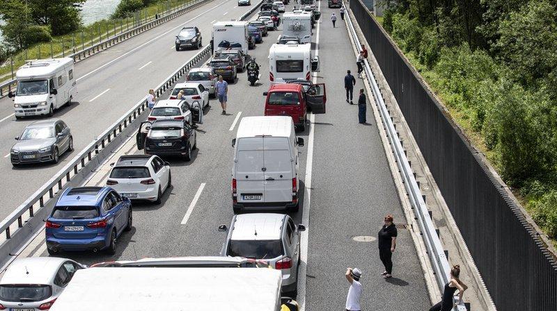 Les automobilistes doivent prendre leur mal en patience sur la route des vacances.
