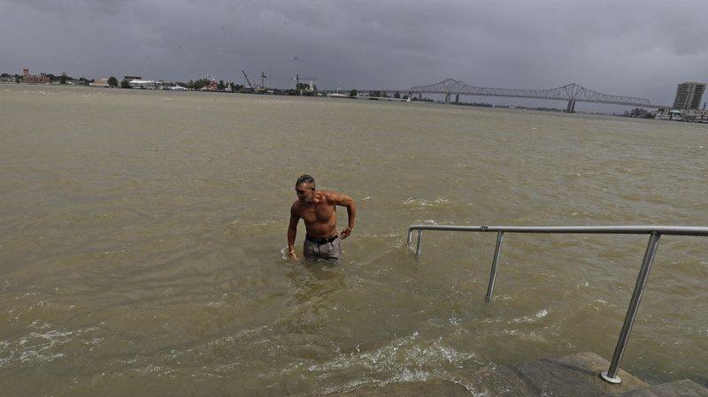 Le niveau du fleuve Mississippi qui traverse la ville de La Nouvelle-Orléans a commencé à baisser.