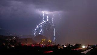 Valais: après une nuit électrique, les chasseurs d'éclairs s'apprêtent à dégainer leur appareil photo