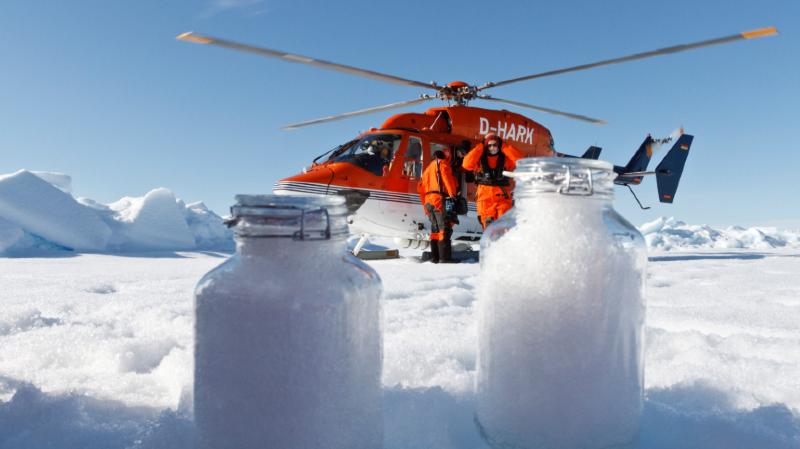 Des microplastiques transportés par voie aérienne se retrouvent jusque dans la neige des Alpes et de l'Arctique.