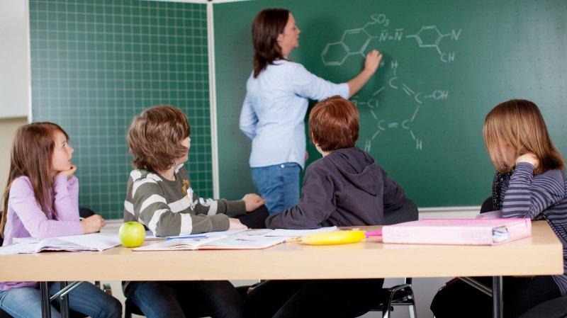 Si la pénurie d'enseignants touche concrètement le Haut-Valais cette année, elle menace aussi le Valais francophone.
