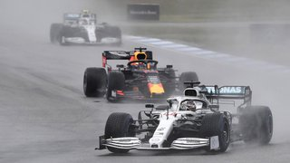 Formule 1: Max Verstappen s'impose sous la pluie au Grand Prix d'Allemagne, débâcle des Mercedes