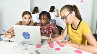 A Sierre, un camp d'été veut communiquer l'esprit d'entreprendre aux jeunes filles