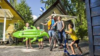 De la tente au tipi de luxe, le camping est multiple et séduit toutes et tous: visite guidée à Sion
