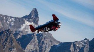 Yves Rossi, alias Jetman, revient en Suisse pour fendre le ciel chablaisien