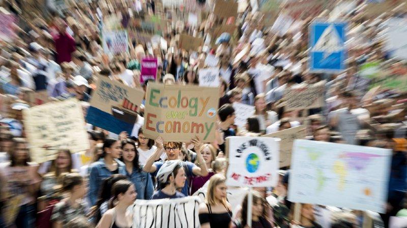 Le mouvement Grève du climat demande aux politiciens de s'engager.