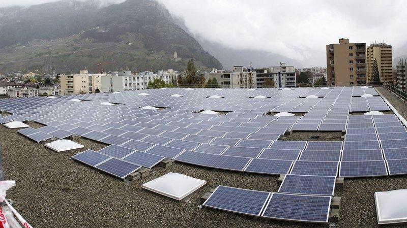 La plus grande centrale solaire du Valais se trouve sur les toits des caves Orsat à Martigny.