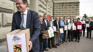 Suisse-UE: la commission des institutions du National recommande le rejet de l'initiative UDC contre la libre circulation