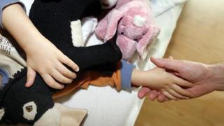 Valais: l'initiative pour la hausse des allocations familiales a abouti