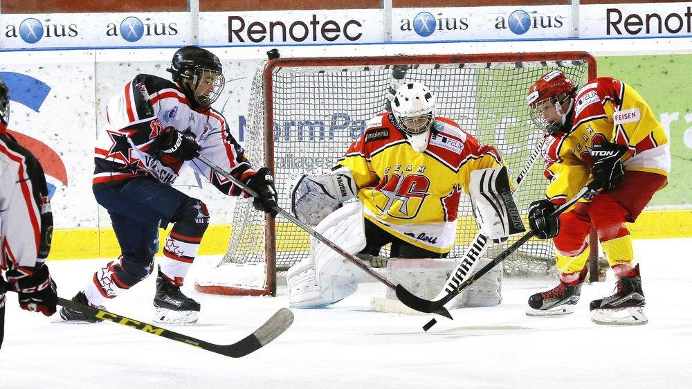 Les équipes juniors et novices, en Valais, ont pris l'habitude de se bouffer des points et des jeunes depuis plusieurs années.
