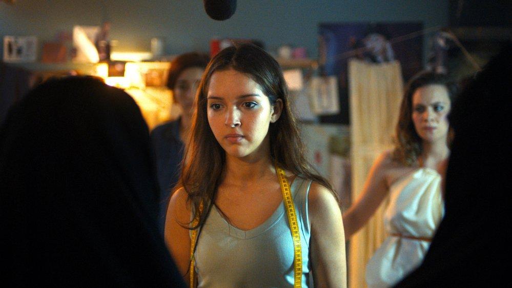 Nedjma (Lyna Khoudri) est une «papicha»: une jeune Algéroise libérée.