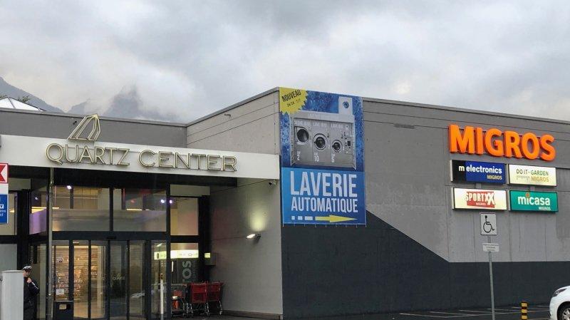 Deux enseignes du groupe Migros vont fermer à Martigny. Le supermarché n'est pas impacté par cette situation.
