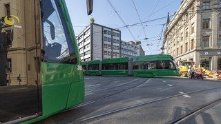 Bâle: une impressionnante collision entre un bus et un tram fait 17 blessés