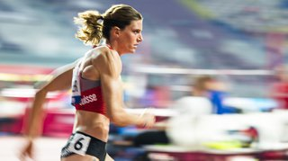 Athlétisme – Mondiaux de Doha: Lea Sprunger termine 4e en finale du 400 m haies et bat le record de Suisse