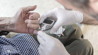 Santé: les bénéficiaires de soins ont déboursé 682 francs