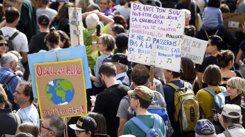 Pour Amnesty, l'inaction des dirigeants face au changement climatique les place en rupture avec les jeunes.