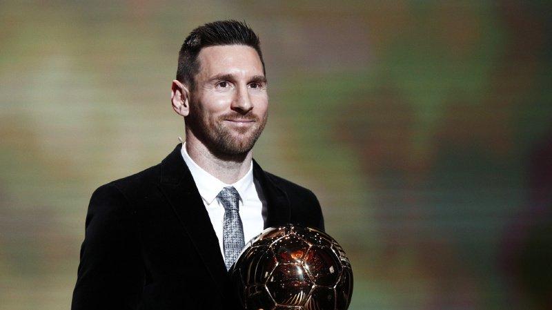L'Argentin Lionel Messi a remporté le 6e Ballon d'Or de sa riche carrière lors d'une cérémonie à Paris.