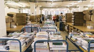 Les Suisses importent de moins en moins de livres de l'étranger