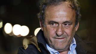 Football: la FIFA va saisir la justice face à Michel Platini