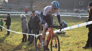 Cyclocross: Gilles Mottiez s'accroche déjà dans la roue des meilleurs Suisses
