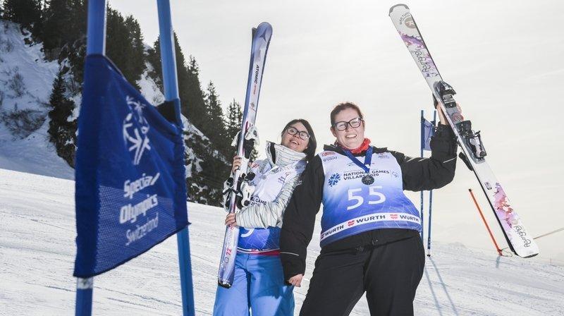 Deux Valaisannes en situation de handicap mental domptent les pistes de Villars