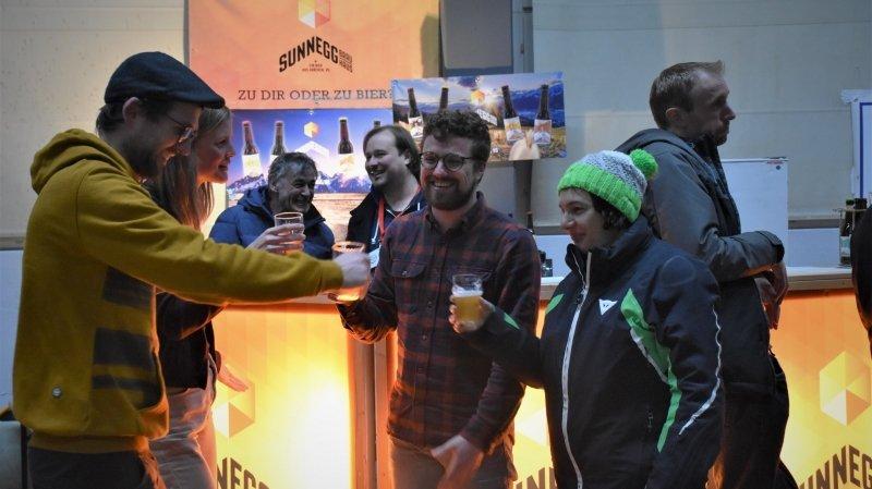 Loèche-les-Bains: le premier Congrès de la bière attire 300 amateurs de mousse