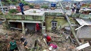 Une tempête fait au moins 30 morts